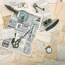 antike accessoires, alte briefe und postkarten, vintage tuschestift. nostalgischer sentimentaler hintergrund. ephemera und zeitung